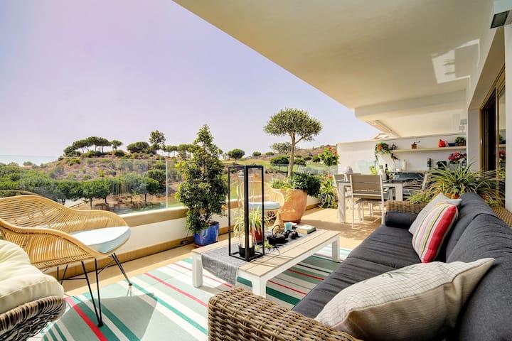 Modern & Luxury apartment at La Cala Resort