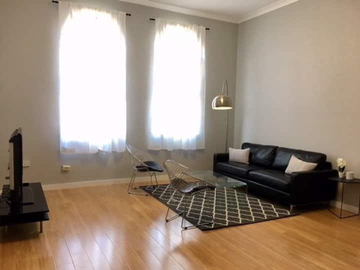 Central Location- Apartment near City&Trans