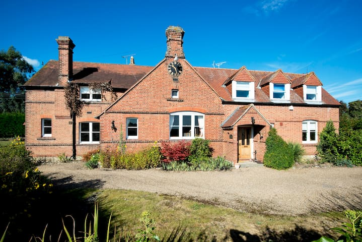 Large Country House Featured Channel 4