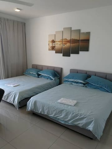 Cozy and Clean Room Trefoil SCCC Setia City Mall