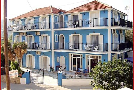 blue lake family apartments - Zakinthos - Daire