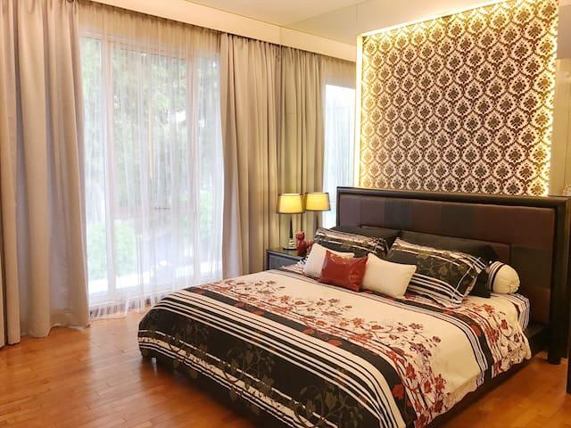 Luxury House in Senayan Golf Residence