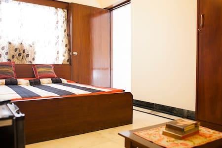 Bright terrace room in a lovely neighbourhood - New Delhi