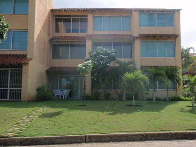 Fabuloso Apartamento,. en Playa Privada.