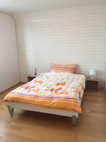Zimmer max. für 2 Pers Nähe Airport/Messe/Oerlikon