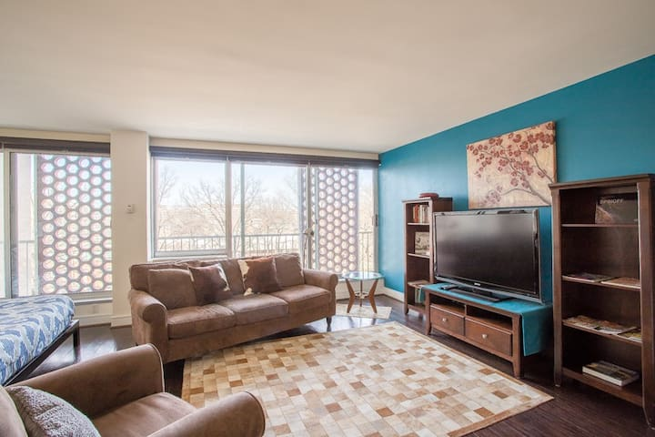 Studio Apartment near Capitol | Parking Available