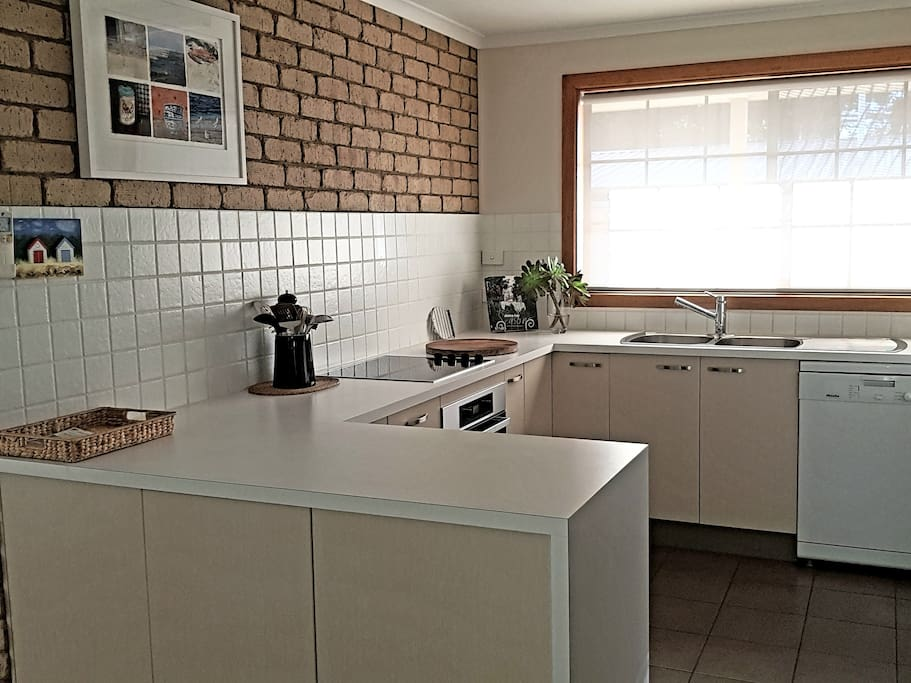 Fully equipped kitchen with everything that you could possibly need