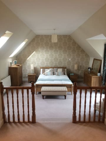 Wonderful Hideaway Suite in Magnificent Setting.