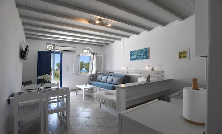 "Seafront apartment at ""Nostos"""