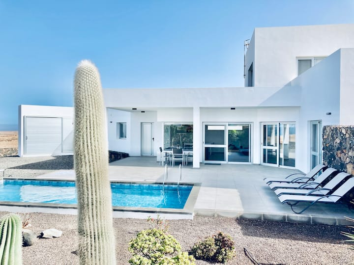 Modern serene villa with outstanding views