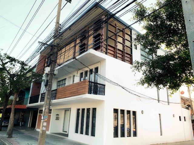 Hot Deal 5BR Entire Villa 7Bath BTS/MRT, JJ MARKET