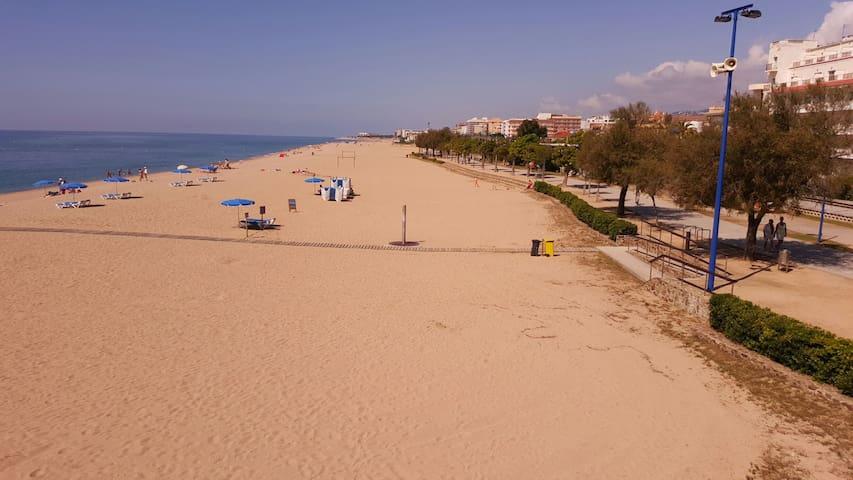Casa completa 1 minuto de la playa - Malgrat de Mar - Casa