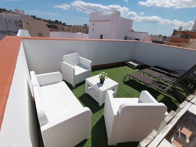 AMAZING ROOM WITH ROOF TERRACE & WIFI