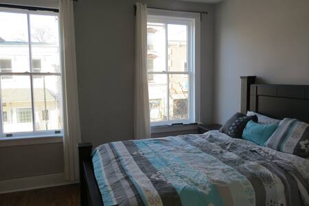 2 Bedroom Condo Above Abolitionist Ale Works #200