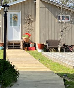 **Cute and Tiny Cottage** Manteo-Outer Banks.