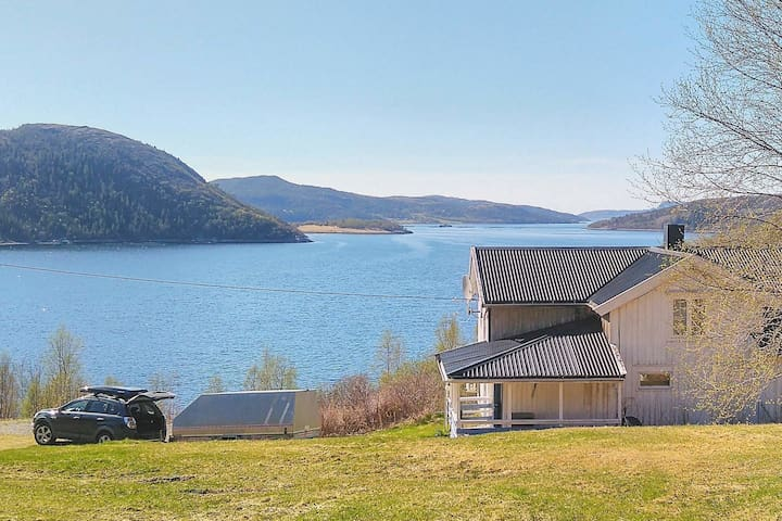 6 person holiday home in kolvereid