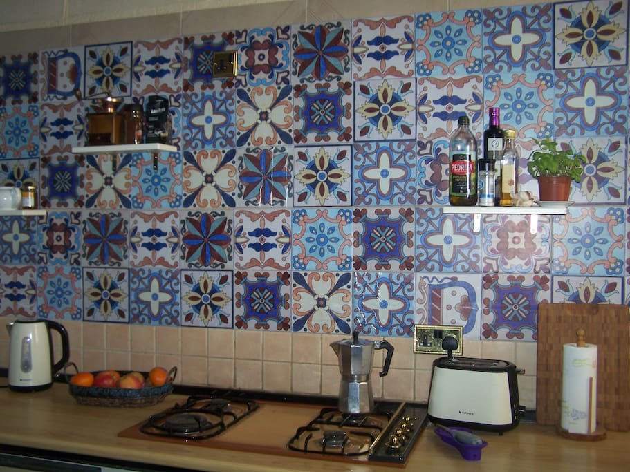 Kitchen worktop and cooker
