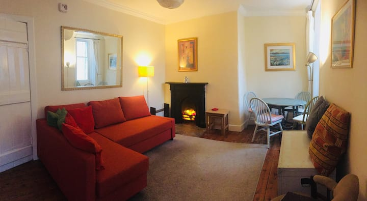 Charming flat in Edinburgh Old Town nr University