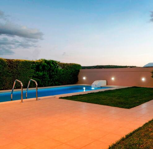 """Orizonte"" Luxury Maisonette with Private Pool 2."