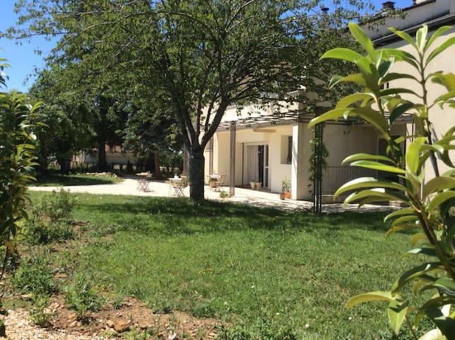 """MontMouton - Luxe Villa - 2 """"Suites"""""""