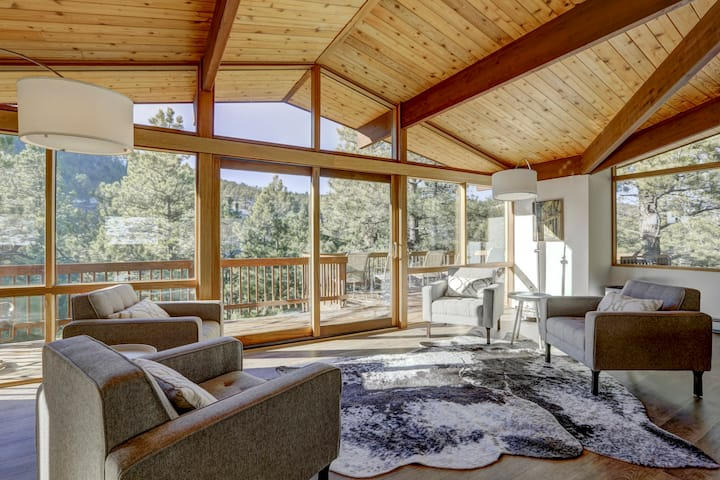 Hot Tub -Wow Factor Private Mountain Home - 5 Bdrm