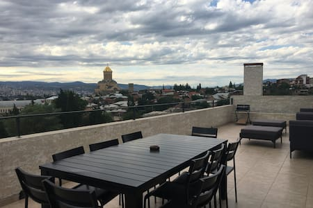 Loft with the magical terrace and the view - Tbilisi - Lejlighed
