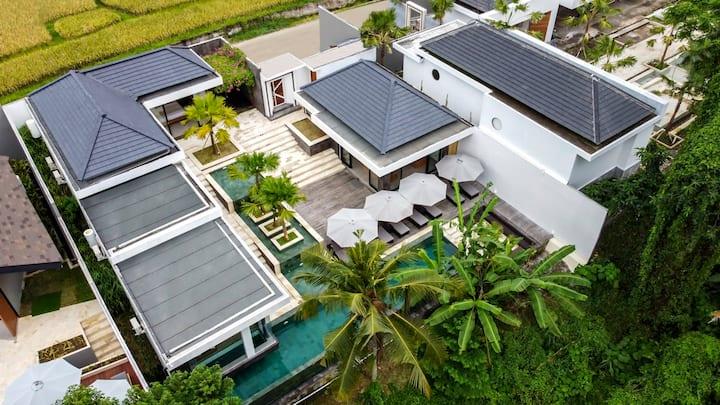 PROMO -70%-Heaven 4BR Villa w Infinity Pool Jungle View