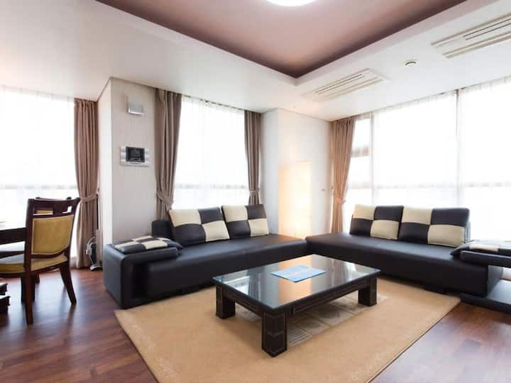 2 rooms, up to 4 persons, luxuriously furnished