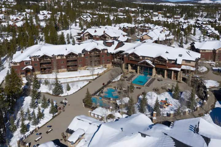 Grand Timber Lodge One-Bed Condos