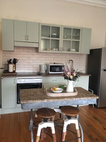 Share Room in a cosy apartment - Newtown - Appartement