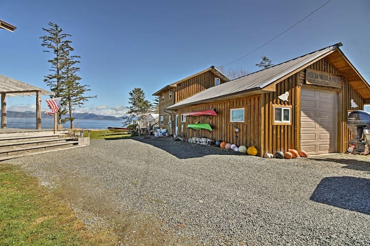 'A Room with a View' offers accommodations for 3 on an Alaskan adventure.