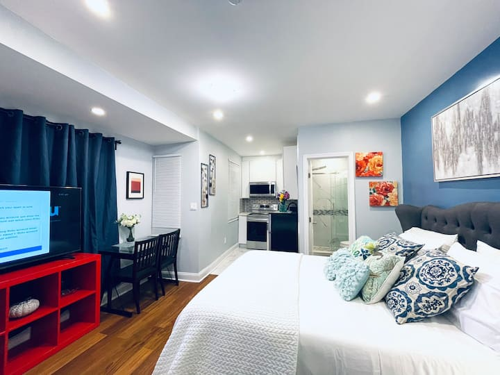 Beautiful Cozy Clean Apt in heart of Center City