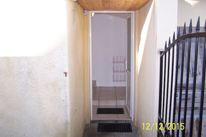 MAISON(independante)1 proche centre - Yzeure - Rumah