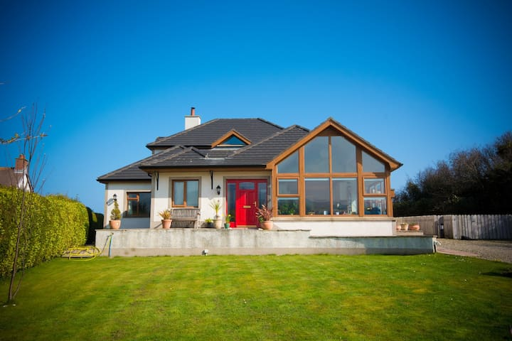 KINNALARGY  Bed and Breakfast - Ballygalley - Bed & Breakfast