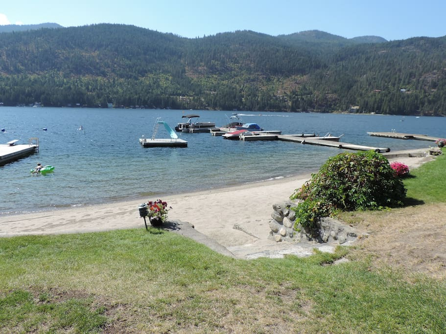 Shared Beach at Christina Campers