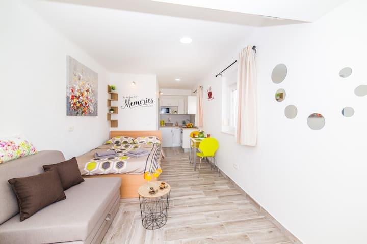 Studio apartman Niris