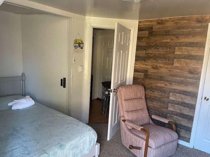 Private 1 Bedroom/Bath Studio in Stokesdale, NC.