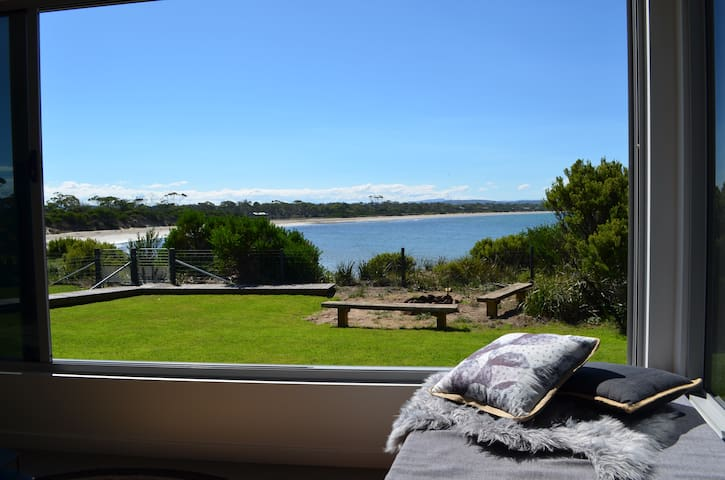 Bluff Cove - Beachfront Holiday House - Swansea - Dom