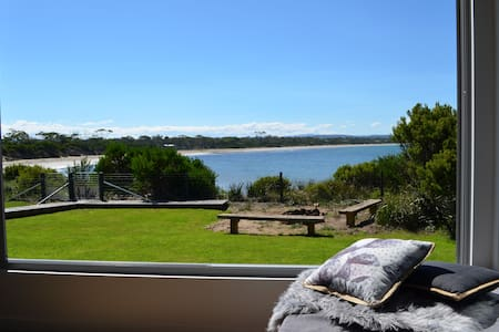 Bluff Cove - Beachfront Holiday House - Swansea - Maison