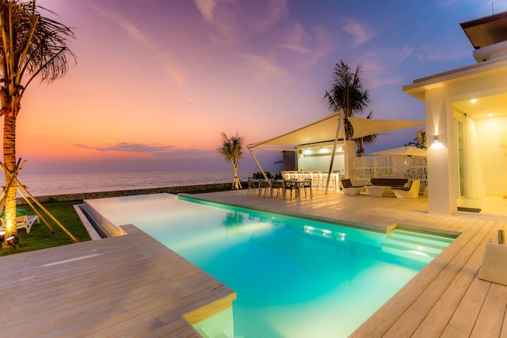 COASTAL ESCAPE - FULL SERVICED LUXURY VILLA