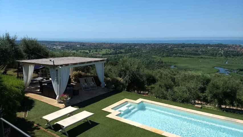 LUXURY VILLA SEA VIEW AND POOL