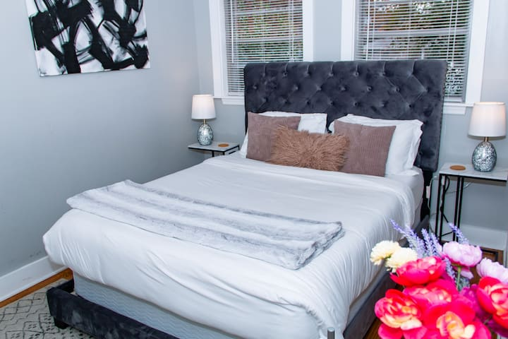 Room #1 Beautiful Brookhaven/Buckhead Luxury Stay