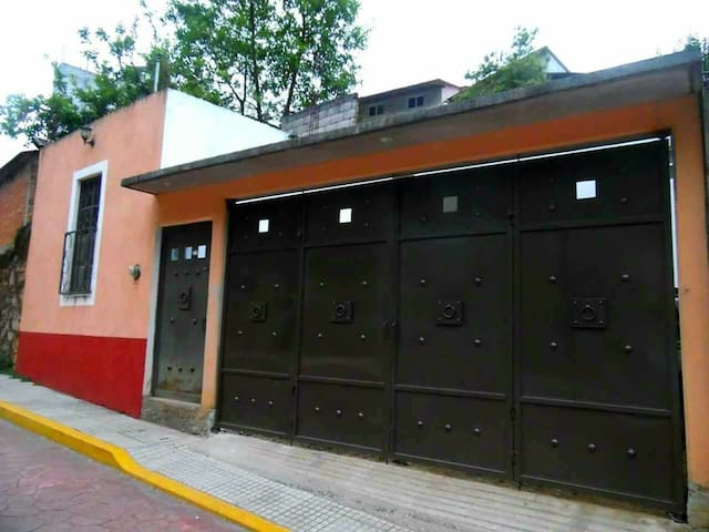 Hostal Alojamiento Manzaneros