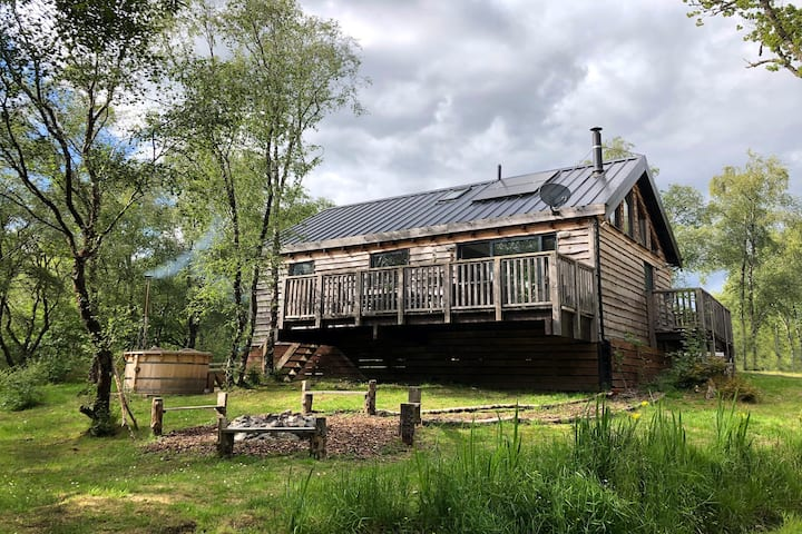 Flora log cabin