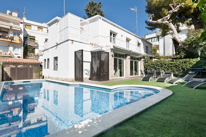 Luxury house in the center of Sitges close beach