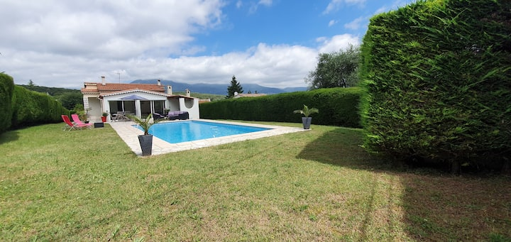 Agréable Villa au calme avec piscine plein sud
