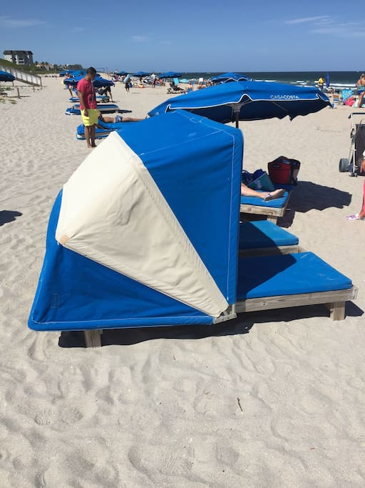 2 person lounge with cabana included $40 per day value