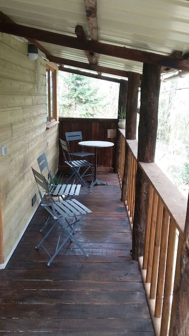 chalet en bois wood cabin argenton sur creuse chalets for rent in argenton sur creuse. Black Bedroom Furniture Sets. Home Design Ideas