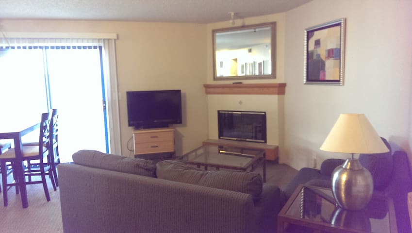 Convenient location 2BR 2BA Condo - Greenwood Village - Apartemen