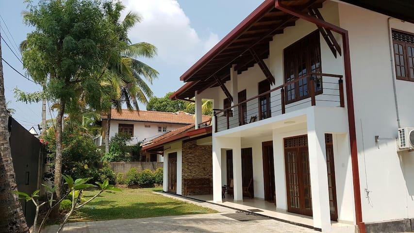 Luxury Villa in Kottawa - Polgasowita, Western Province, LK - Casa